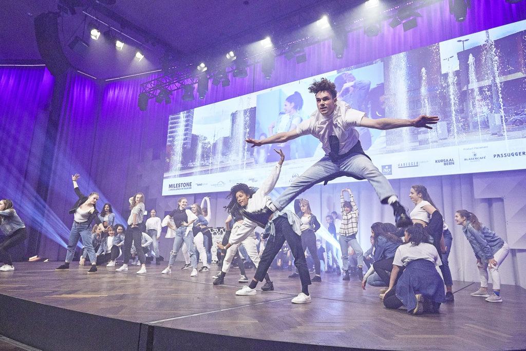 Die New Dance Acadamy aus Bern sorgte im Kursaal für spektakuläre Tanzeinlagen.