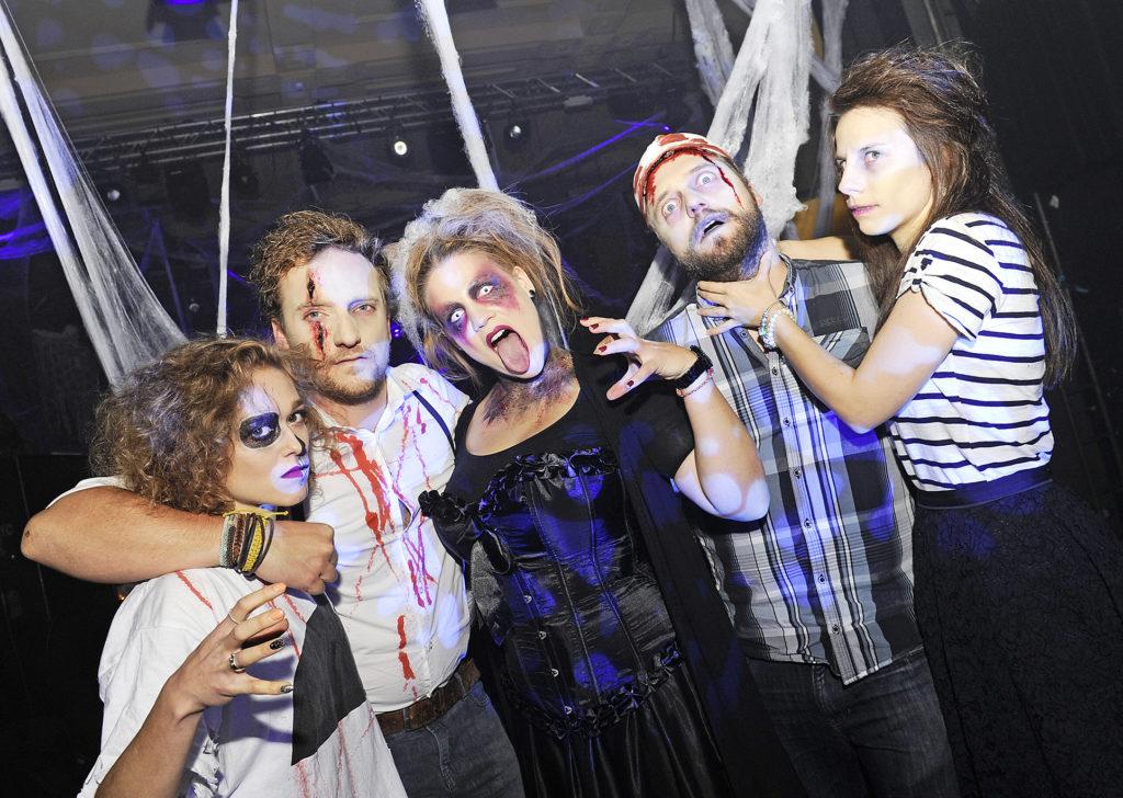 Das Team von Radio Bern1, v.l.: Alexandra Gföhler (Marketing), DJ Marco Scherrer, Martina Brunner (Make-up Artist), DJ Mike Baader und Lisa Catani (Marketing)