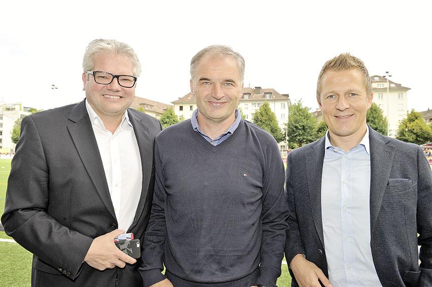 v.l.: Albert Staudenmann (Mediensprecher YB), Stéphane Chapuisat (Chefscout YB) und Christoph Spycher (Sportchef YB)