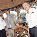 v.l.: Der Schiffskapitän Martin Schrepfer, Stadtratspräsident Christoph Zimmerli und Matrose Lorenz Hürner