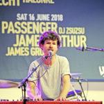 Für einmal ganz alleine auf der Bühne: James Gruntz im Westside.