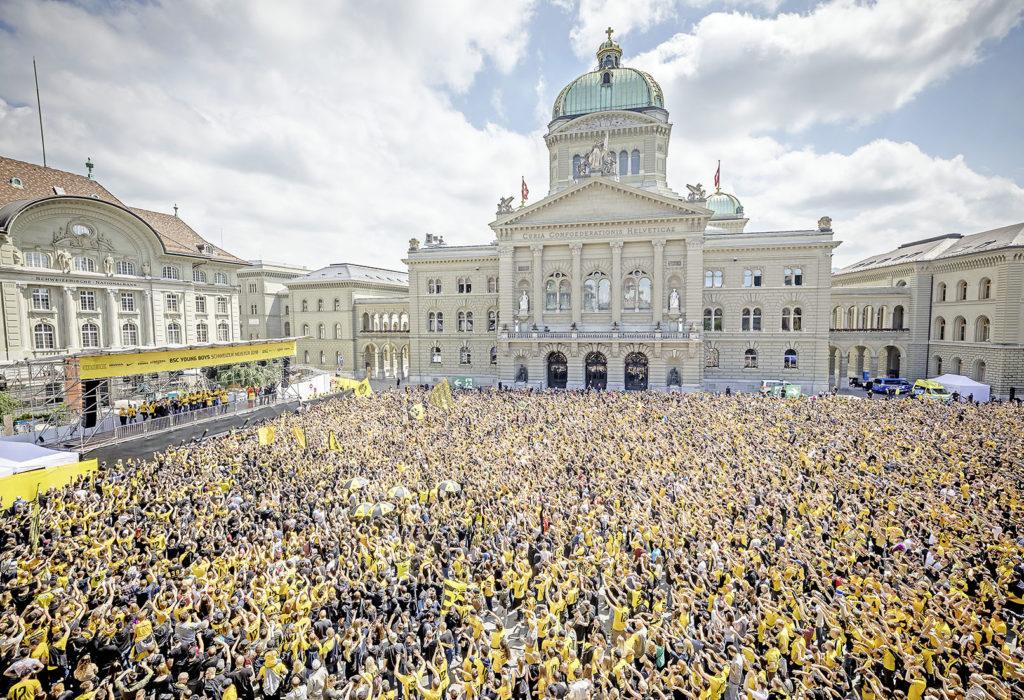 Das hat der Bundesplatz noch nie gesehen: 80000 feiern den Schweizermeister.