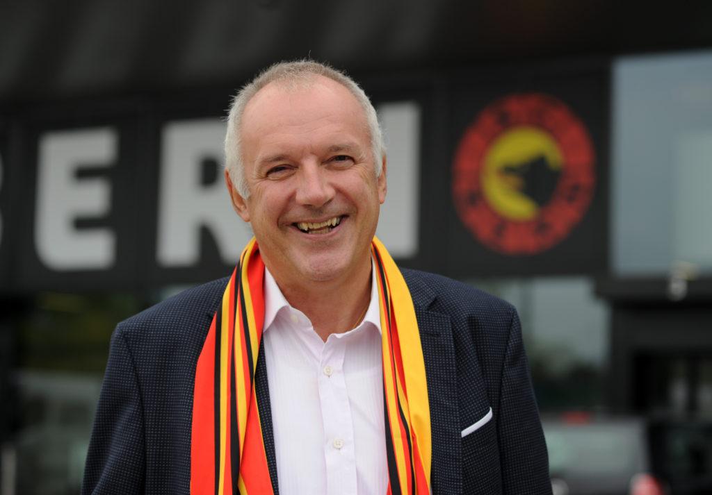 Peter Blatter von Valiant und SCB Fan im Baernerbaer