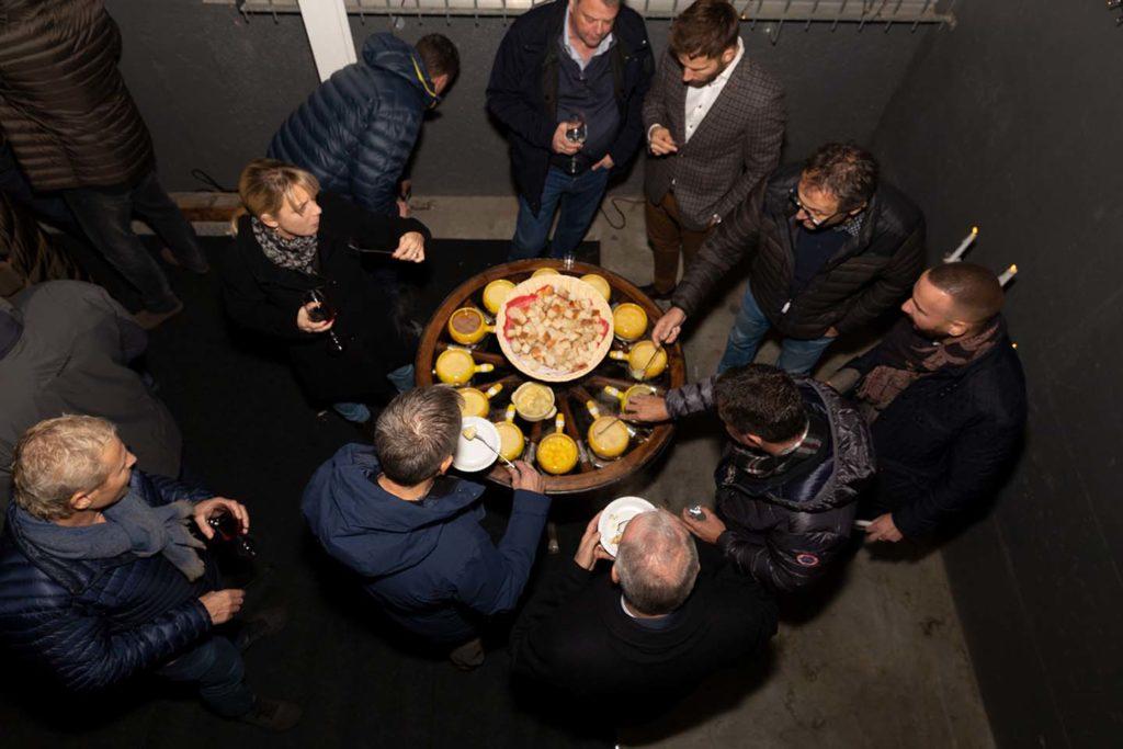 Das Fondue-Karussell fand bei den Gästen grossen Anklang. Insgesamt 15 Mischungen gab es zu probieren!