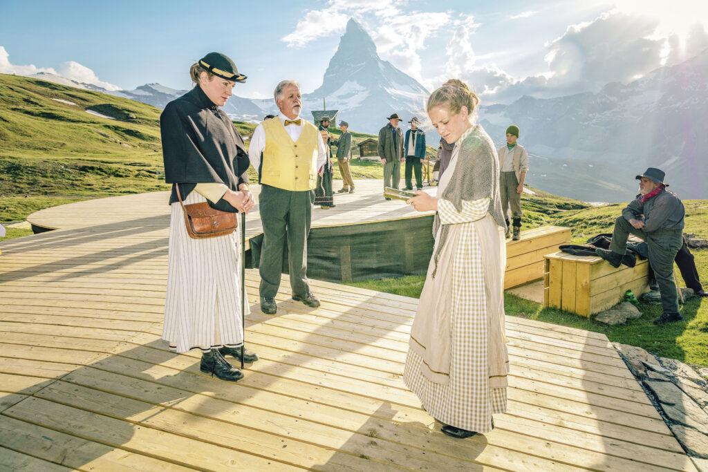 Die Freilichtspiele Zermatt mit dem Matterhorn im Hintergrund – eine einmalige Kulisse