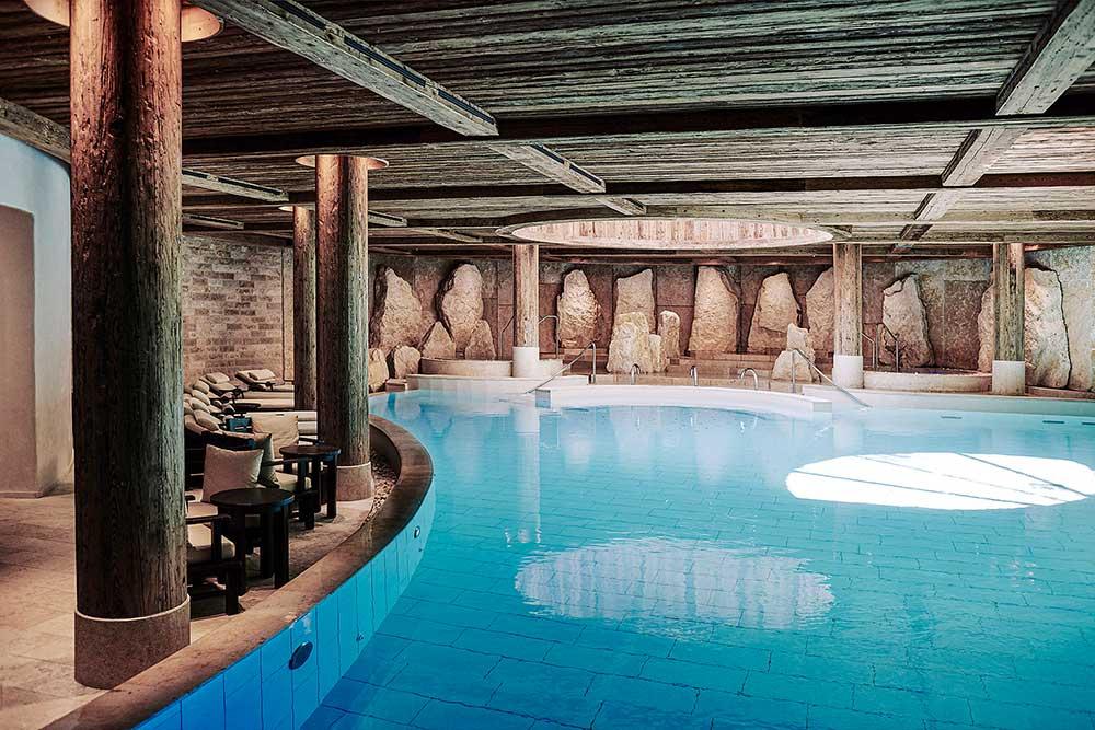Six Senses Spa Indoor Pool (1) © The Alpina Gstaad; Michael Sinclair Studio Limited